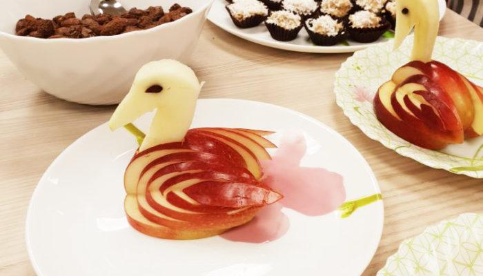 Laste töötoas valmisid imelised õuntest luiged